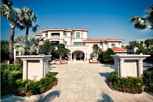 碧桂园棕榈岛位于广州市花都区山前大道,是二十年别墅专家碧桂园