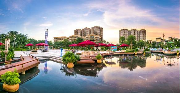 碧桂园拥有业内一流的园林设计公司,尤其擅长采用高尔夫球场设计理念