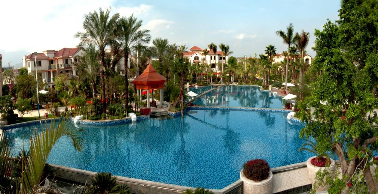 ㎡的奢华无边际游泳池,大型商业中心,健身房,咖啡厅,儿童游乐场